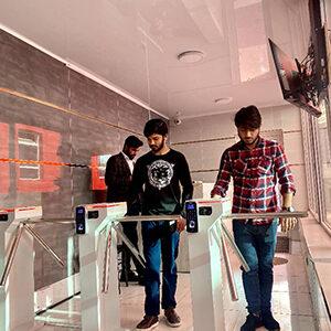 student-campus-005